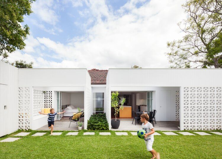Alterations & Additions | Breeze Block House by Studio Prineas
