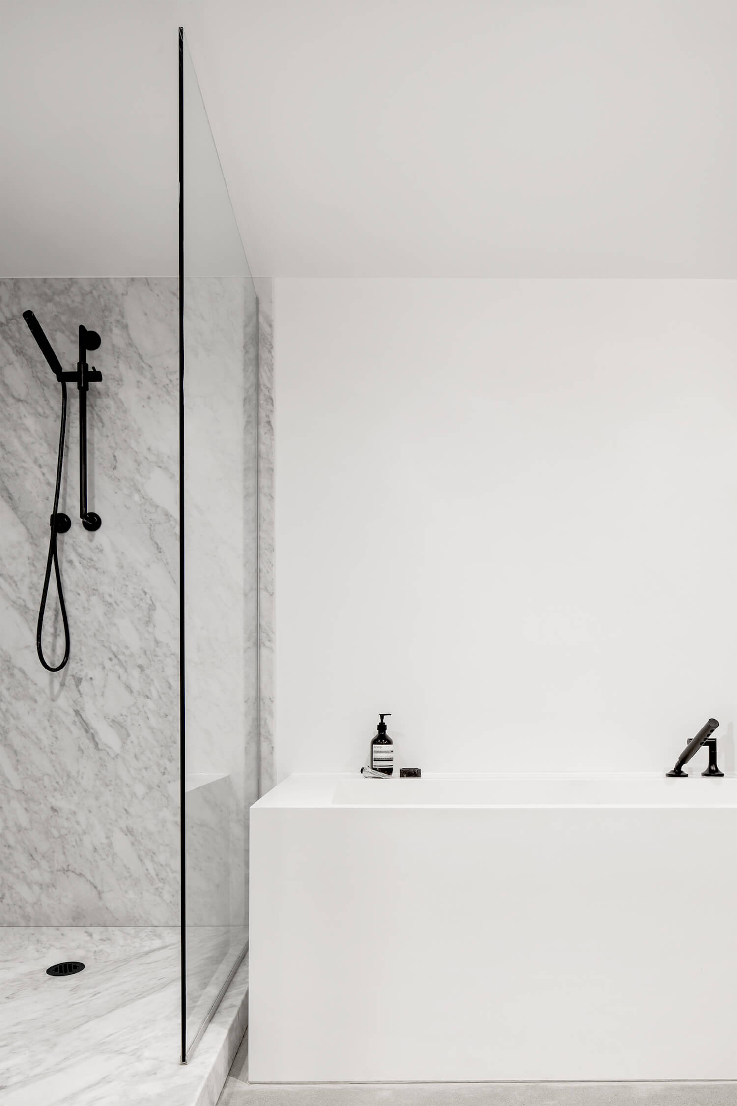 est living global interiors atelier barda apartment saint laurent 8