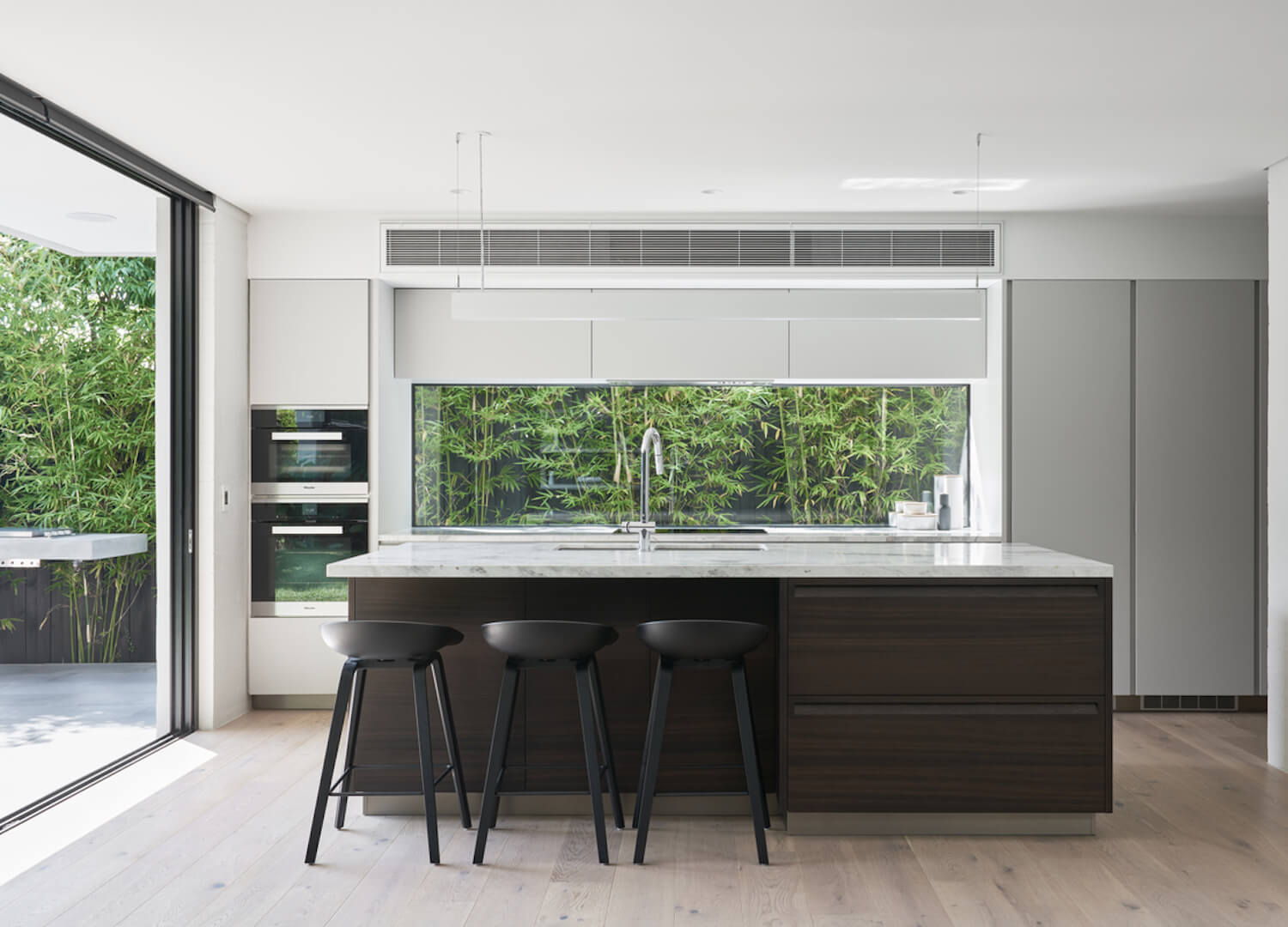 est living malvern east house pleysier perkins kitchen 10