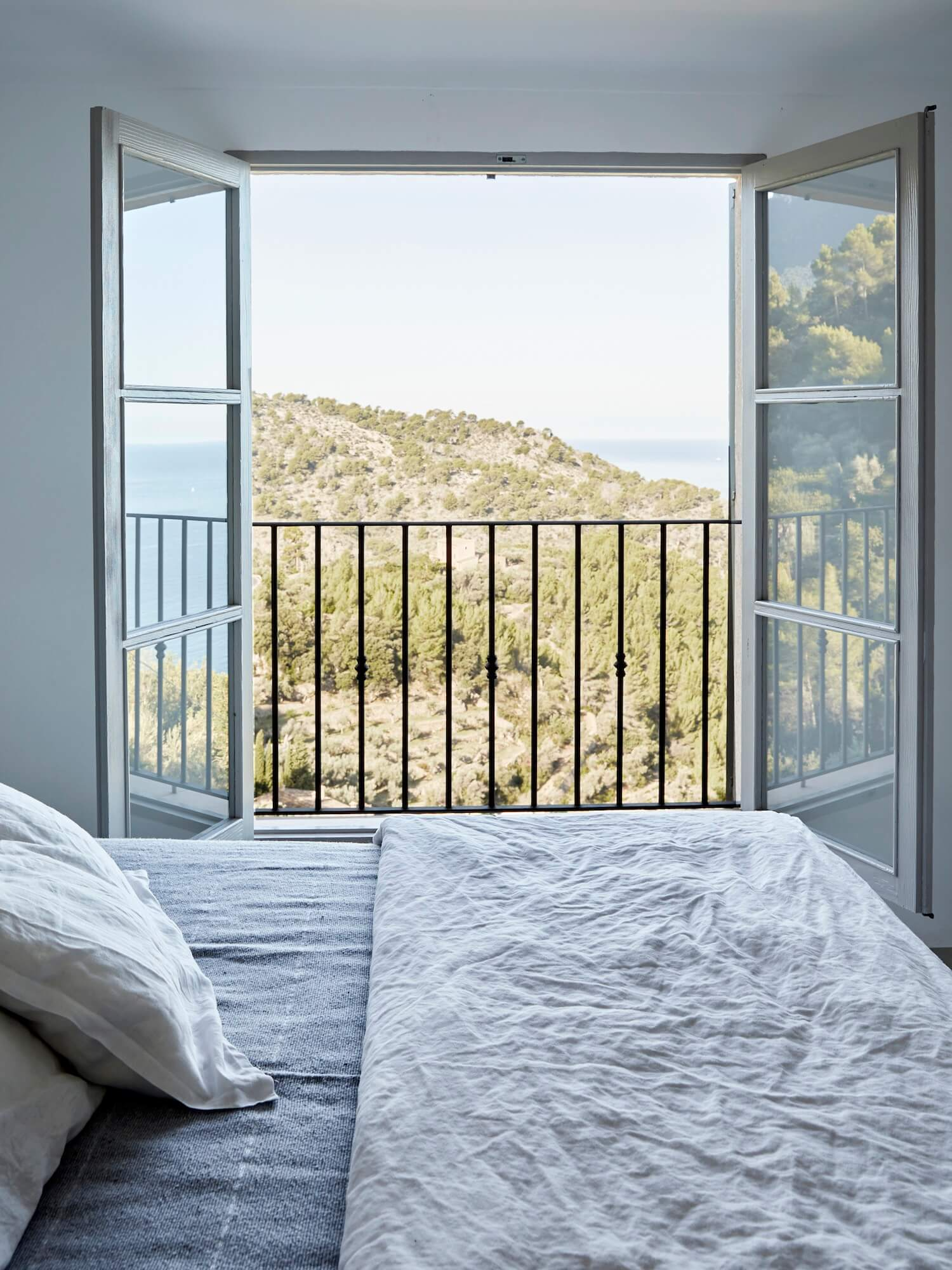 est living on top of the world mallorca house est magazine issue 28 5