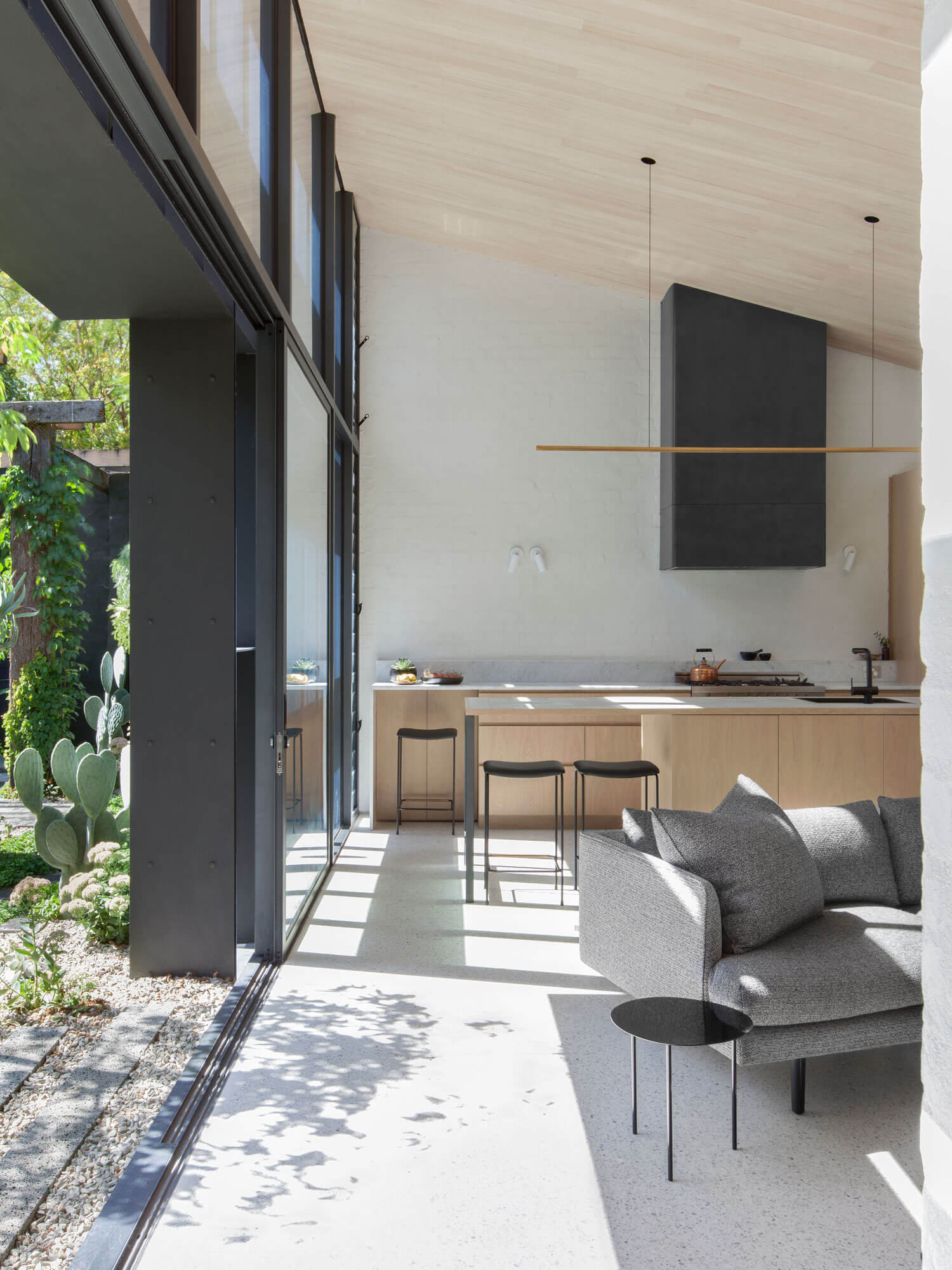 est living Baffle House by Clare Cousins Architects 1