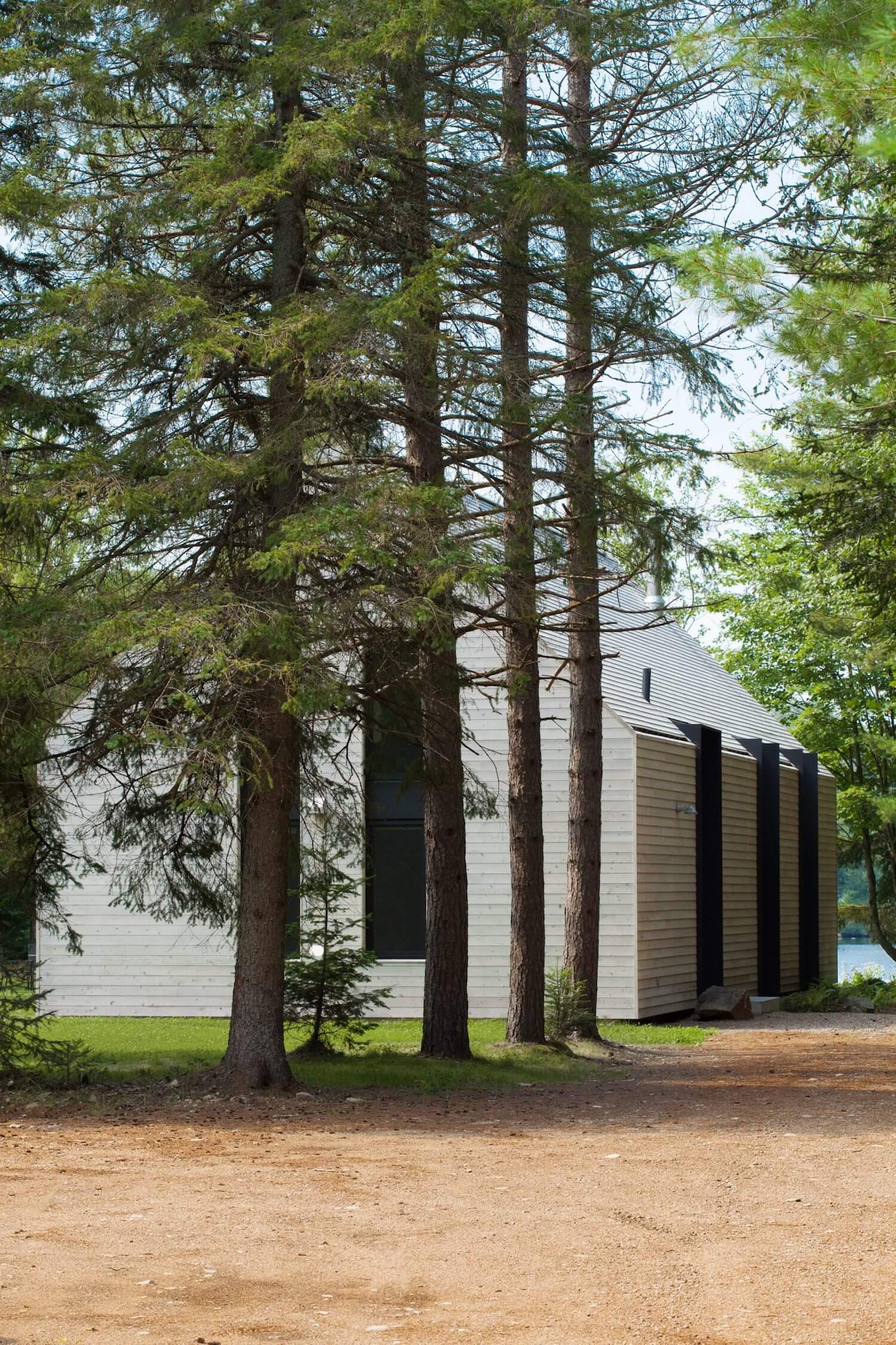 est living roundup log cabins window on the lake yh2 architecture 2