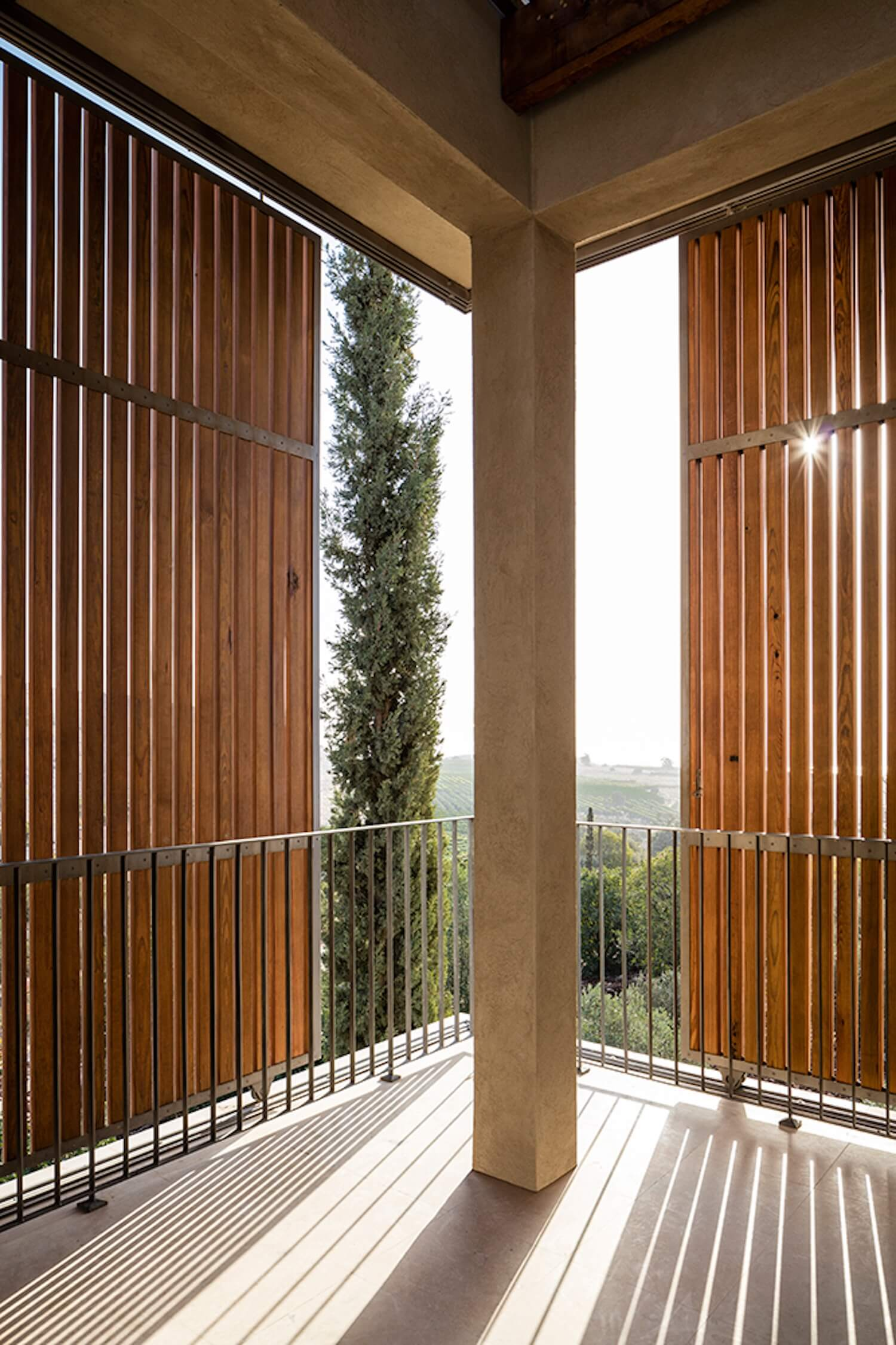 est living global interiors 40 Golany Architects Residence in the Galilee Amit Geron
