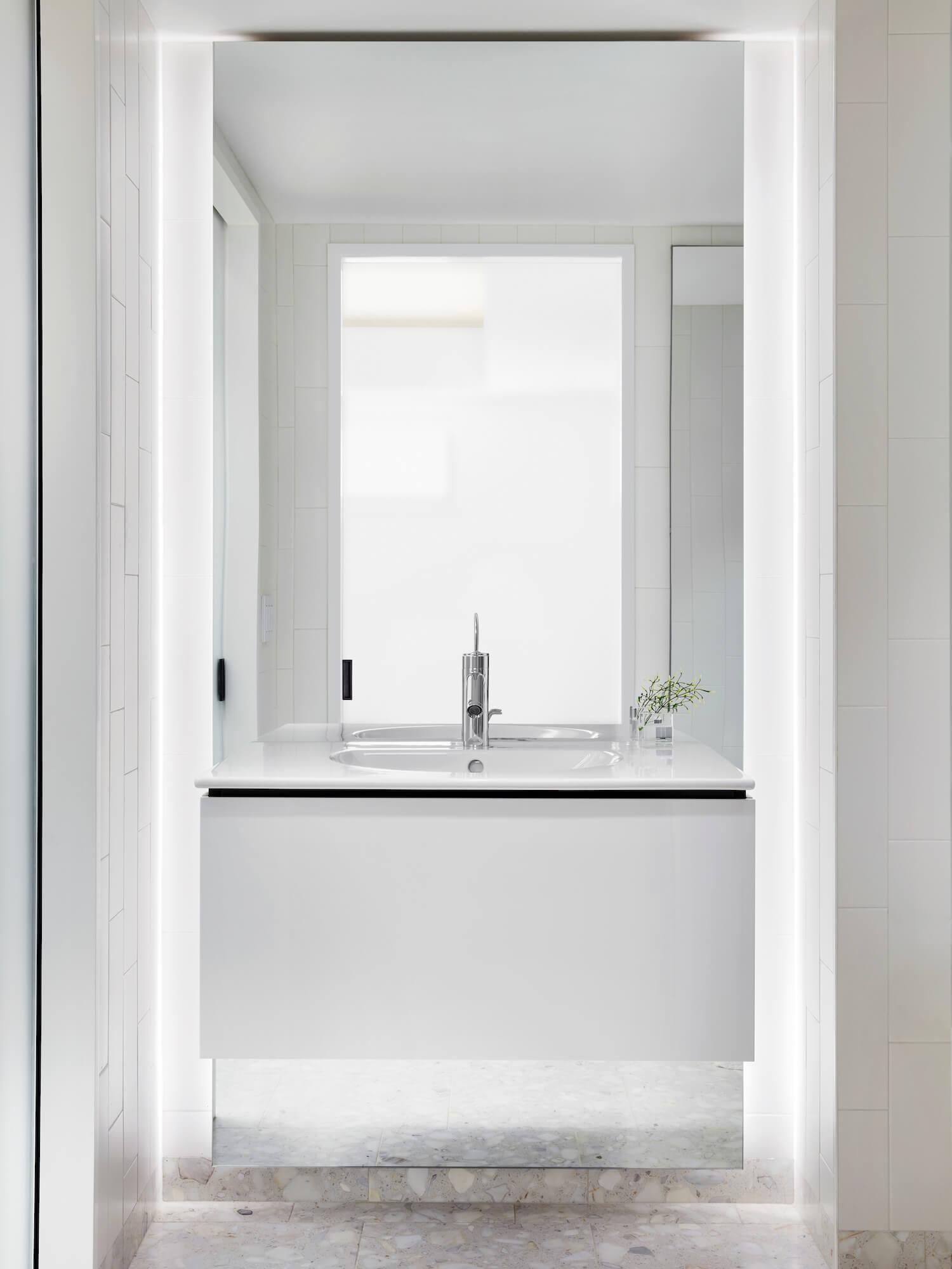 est living STADTArchitecture Chelsea Pied a Terre Bathroom 1