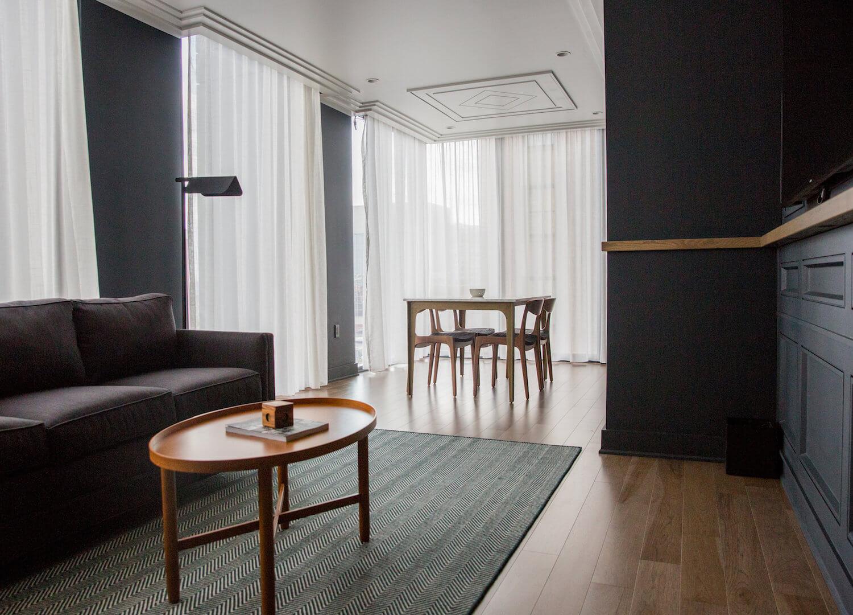 est living travel NOELLE WHITE ROOM 2 CREDIT JOSH GILMORE
