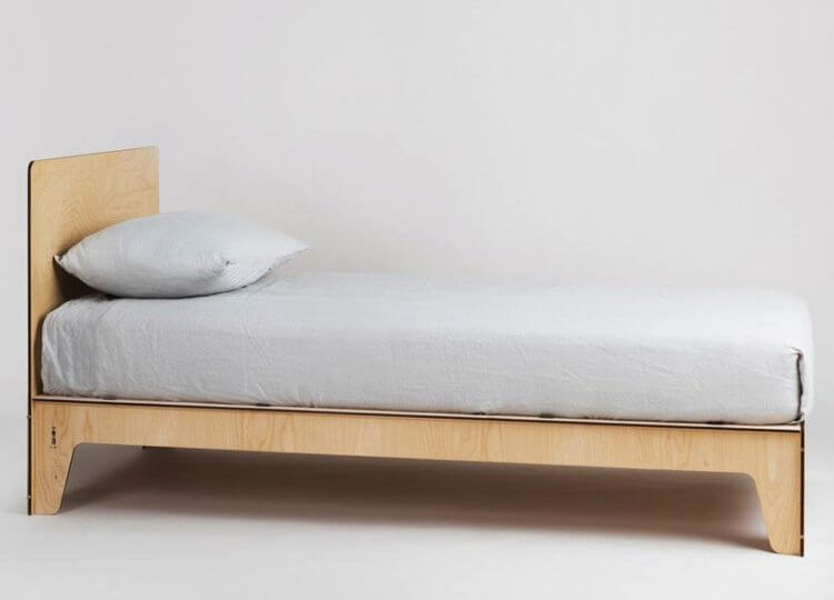 Singolo Bed Plyroom