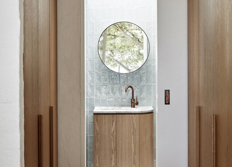Bathroom | Portsea Beach House by Studio Esteta