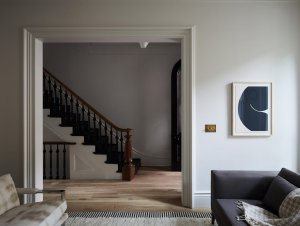 Slope Townhouse by nune and Frances Mildred Architectural Design