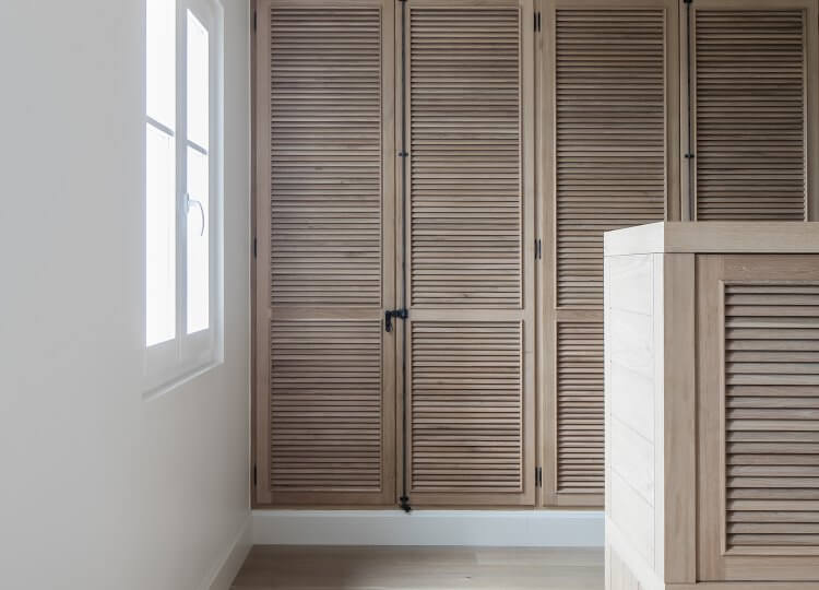 Wardrobes & Walk-In Robes | Villa Pistache by Caprini & Pellerin Architectes