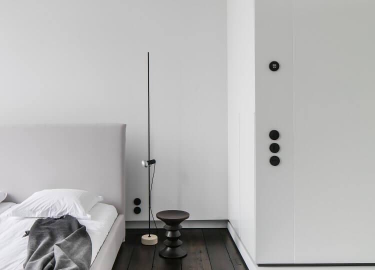 Bedroom | Monochrome House Bedroom by Studio Niels