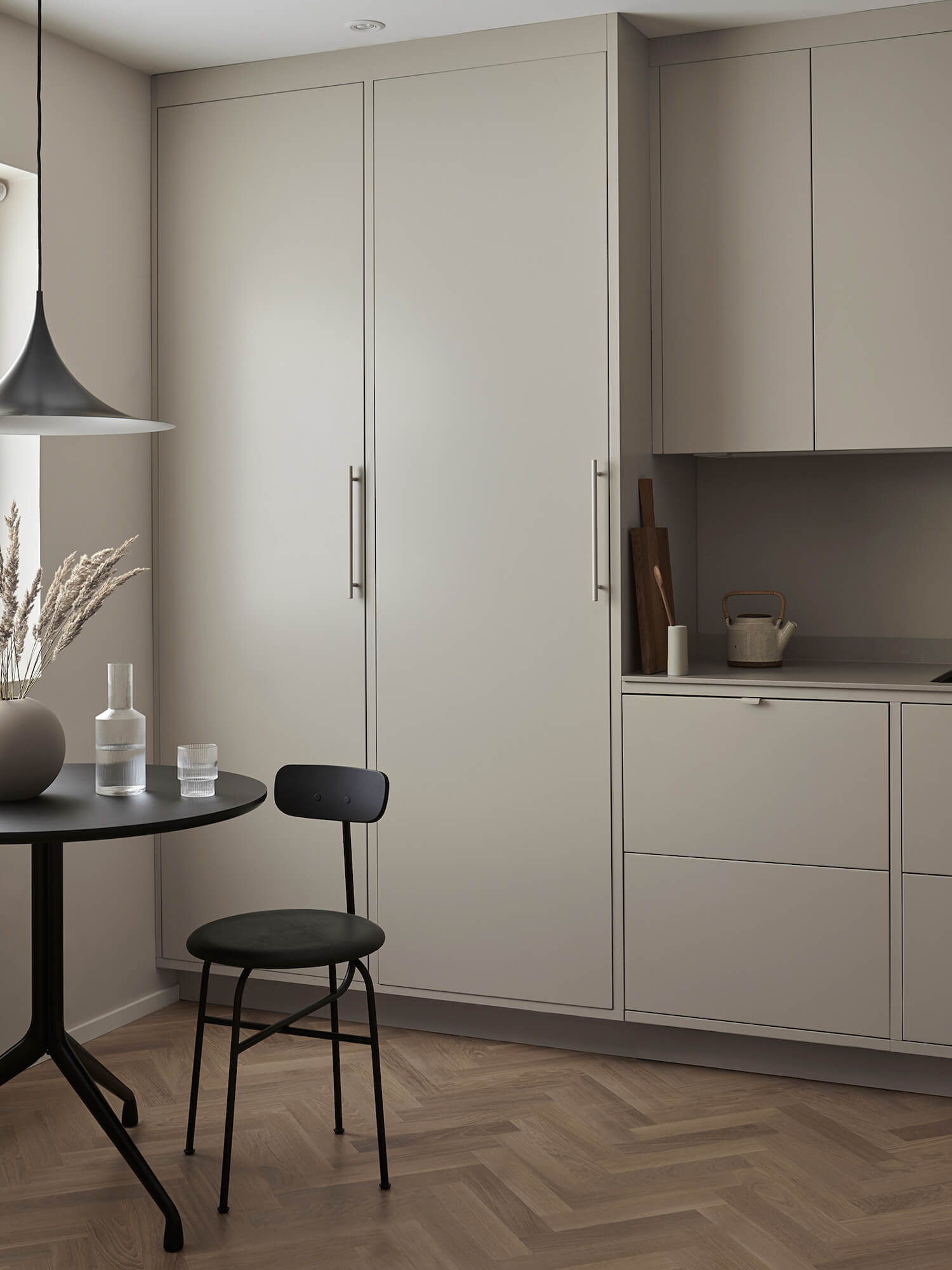 est living nordic style kitchen nordiska kok sand grey minimalist kitchen