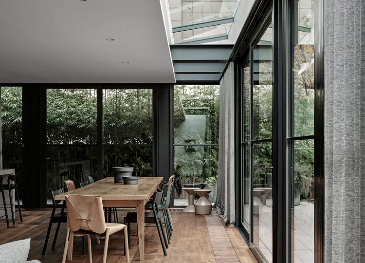 Arno Residence by Adele Bates