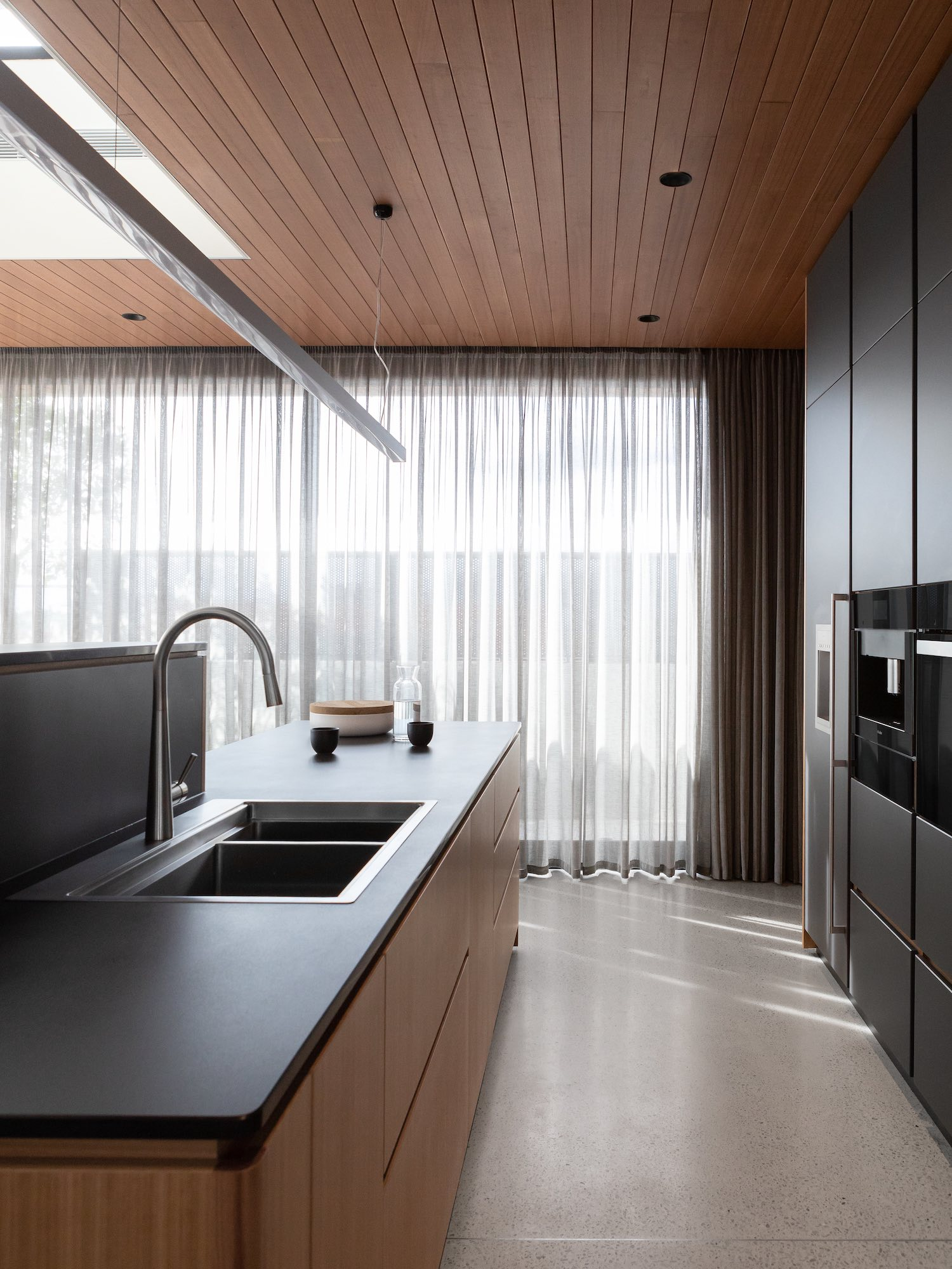 est living australian interiors cantilever kitchen 8