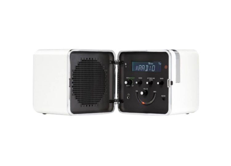 est living brionvega radio cubo in snow white 02 750x540