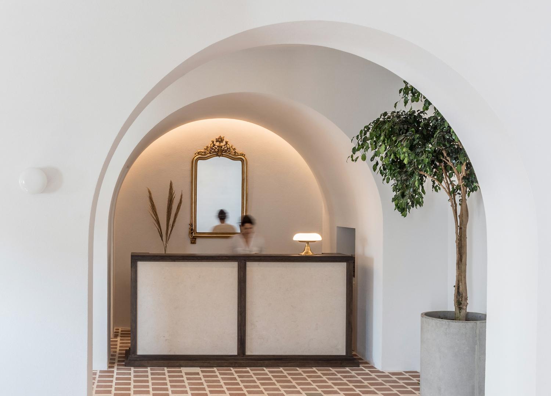 est living parilio hotel laboratorium 7