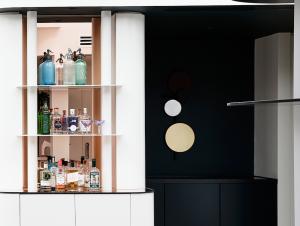 Bar & Cellar   Malvern Residence 2 Bar by Doherty Design Studio