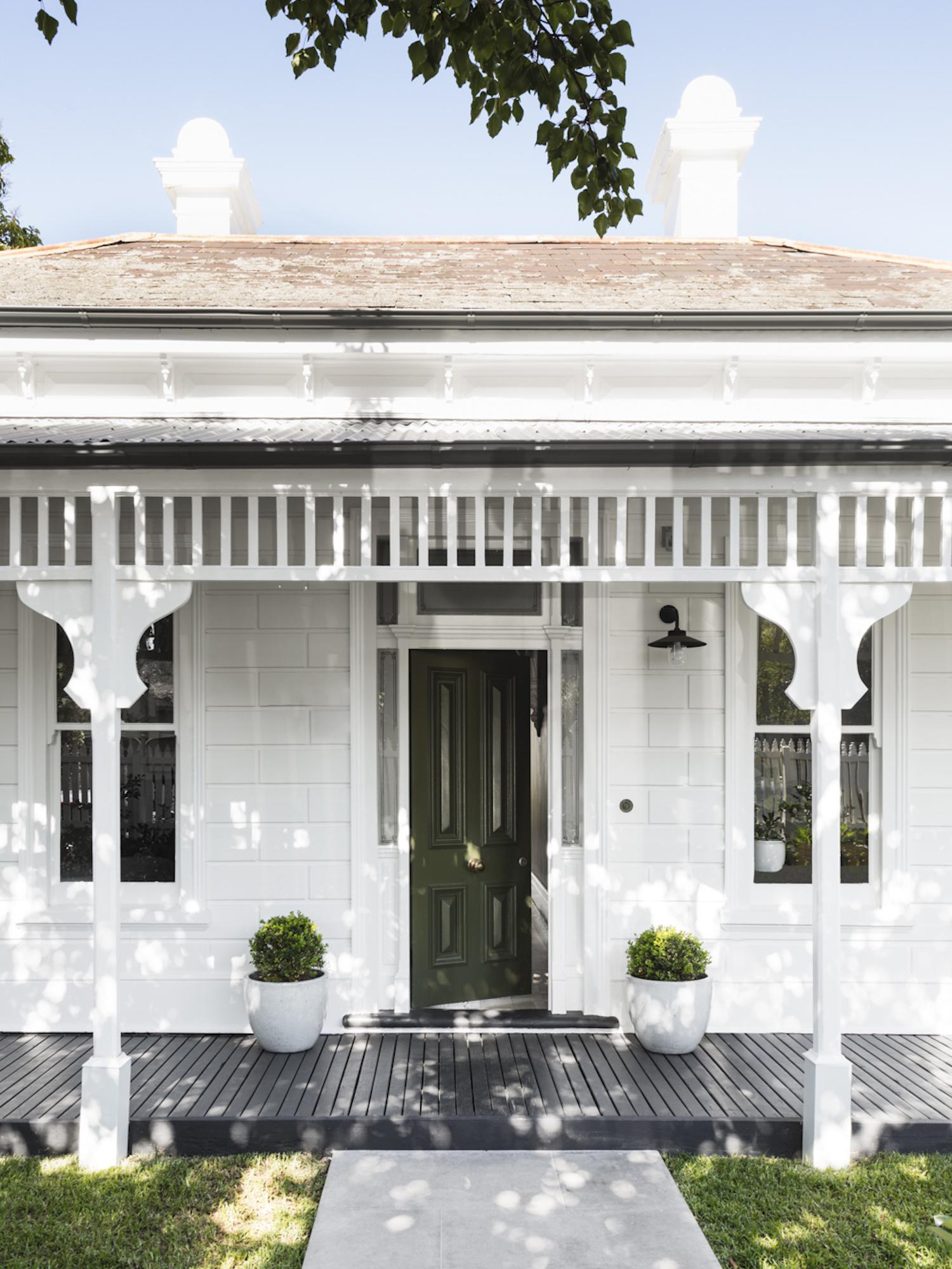 The Family Home of Designer Ali Ross