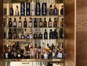 Bar & Cellar | St Vincent's Place Bar by B.E. Architecture