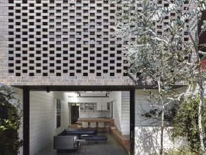 Garden Wall House by Studio Bright