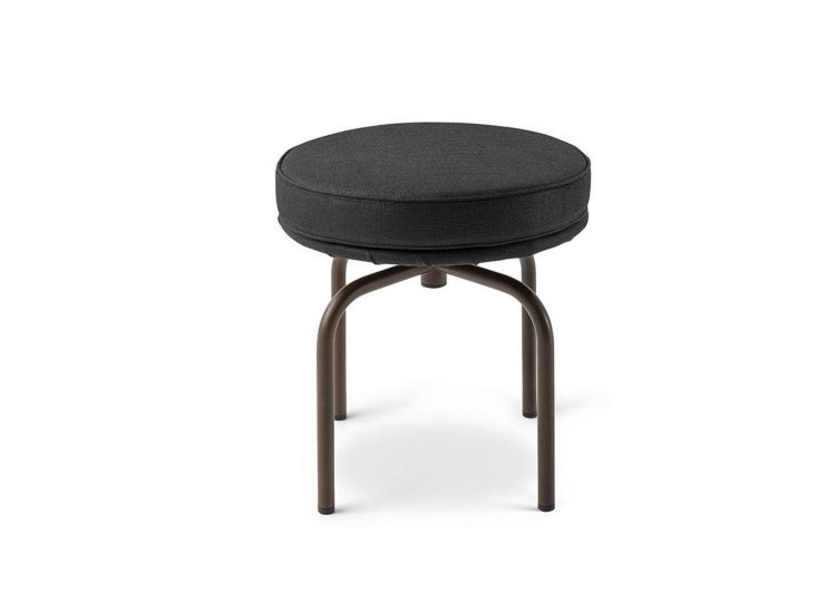 est living space furniture cassina lc28 outdoor stool 01 750x540