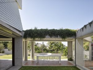 Outdoor Living | Teneriffe House by Vokes and Peters
