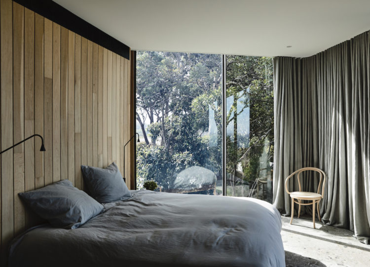 Bedroom | Bluff House Bedroom by Rob Kennon Architects