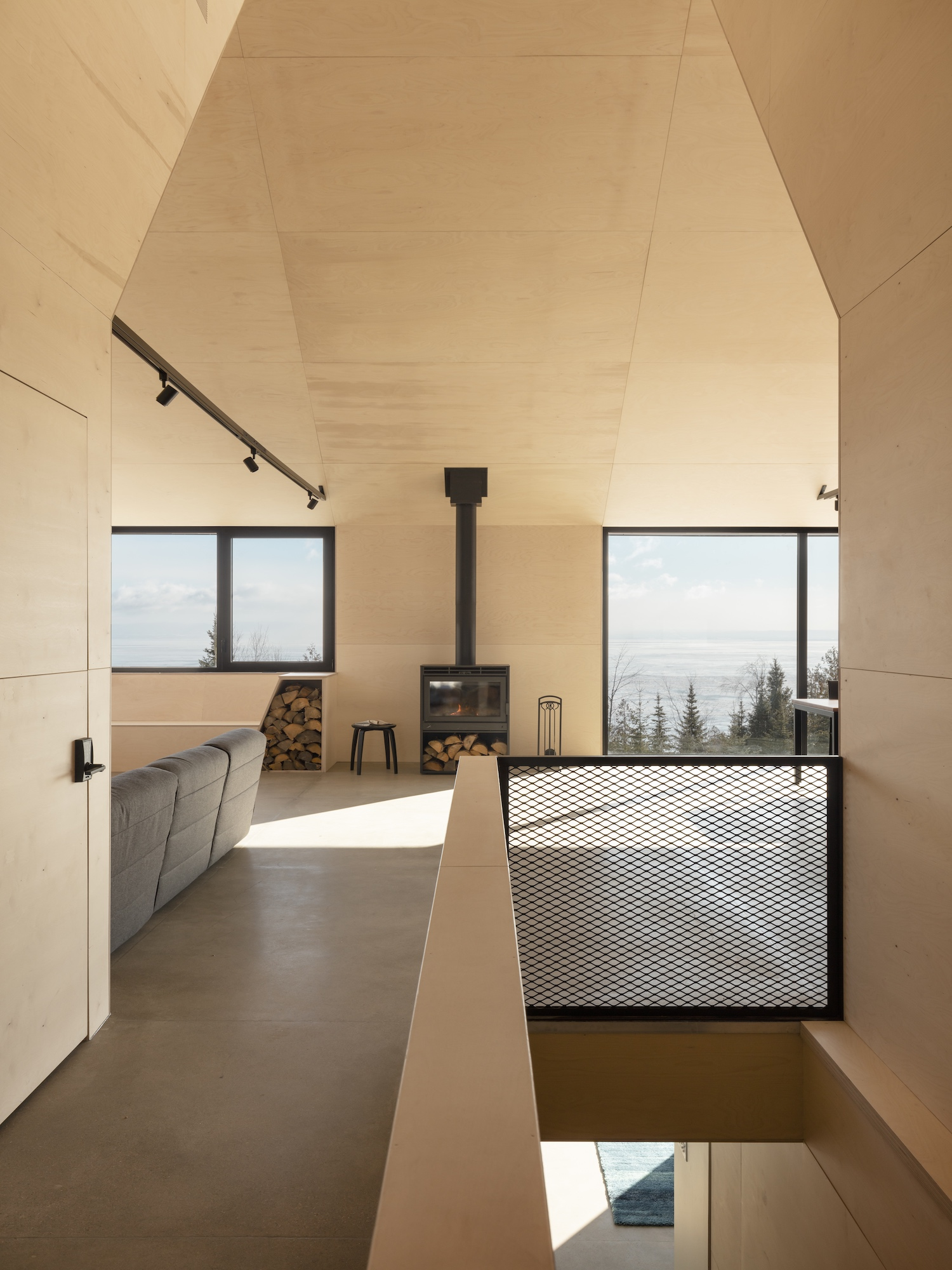 est living bourgeois lechasseur architects cabin a 02