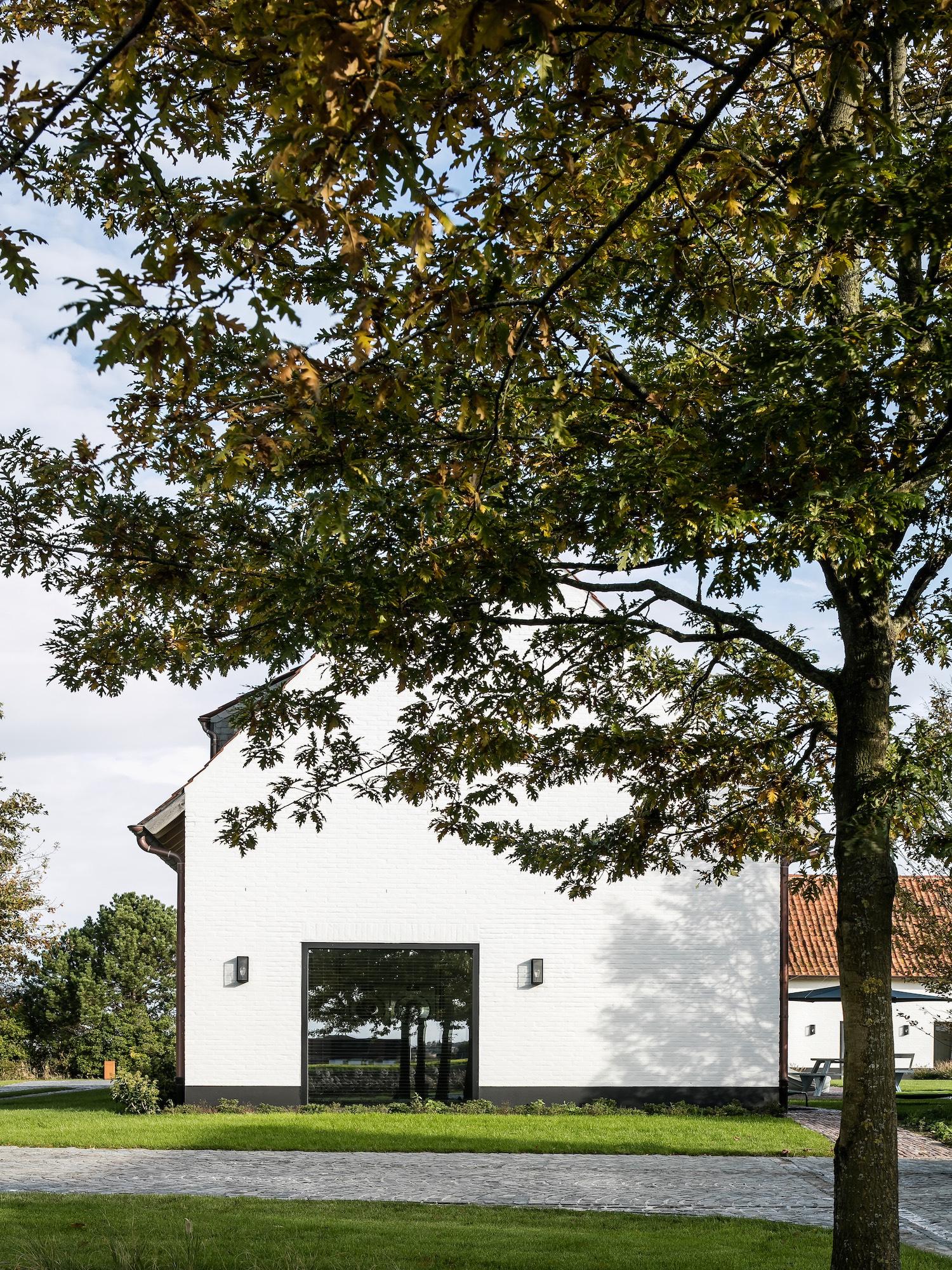 Belgian Farmhouse By Pieter Vanrenterghem Est Living
