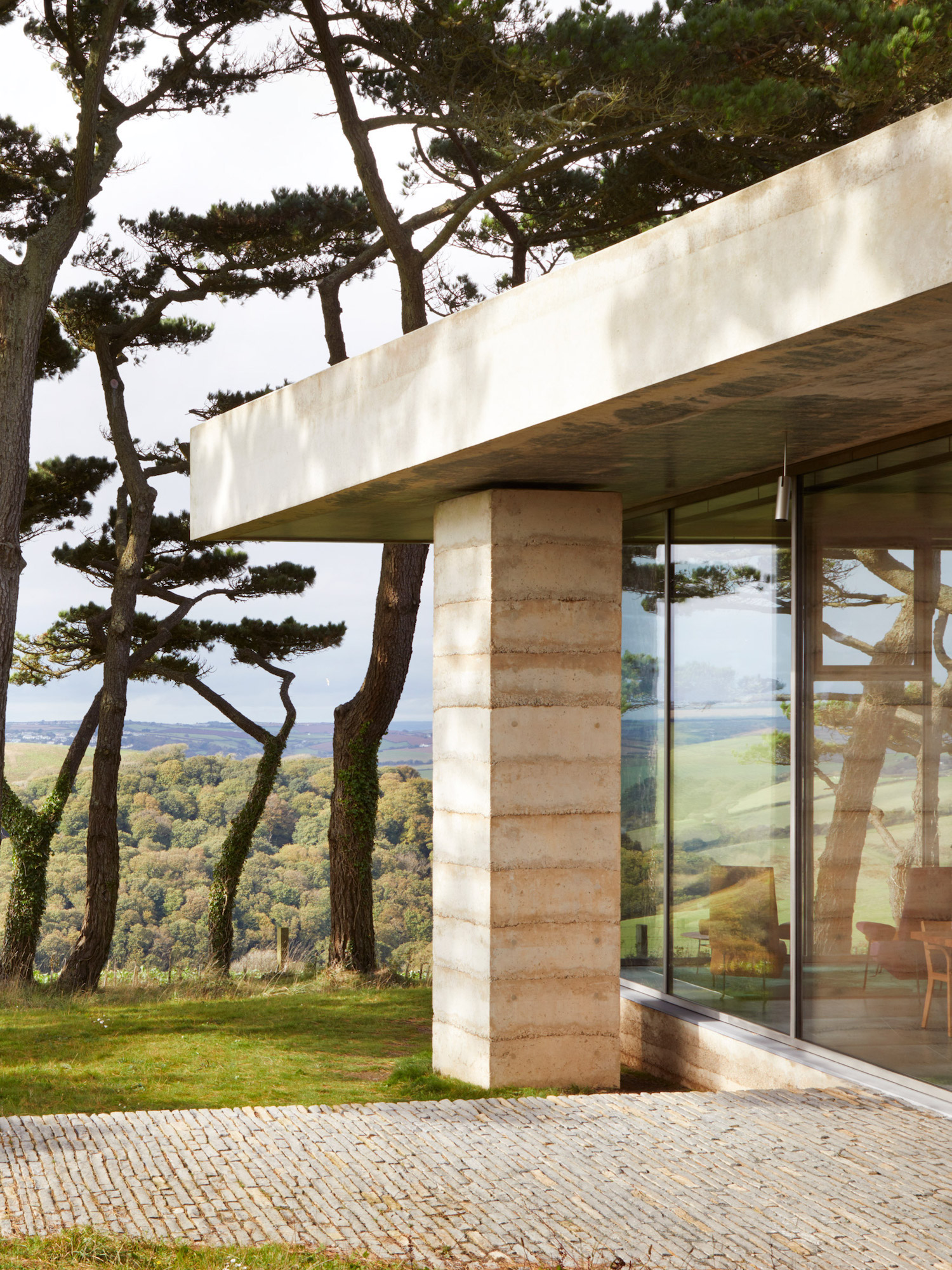 est living chivelstone house by peter zumthor 01