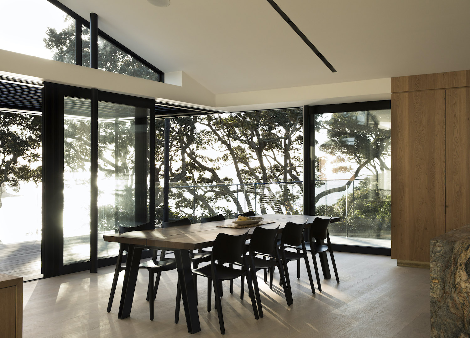est living herne bay hideaway lloyd hartley architects30