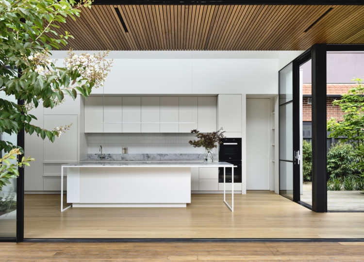 McNamara House by Tom Robertson Architects