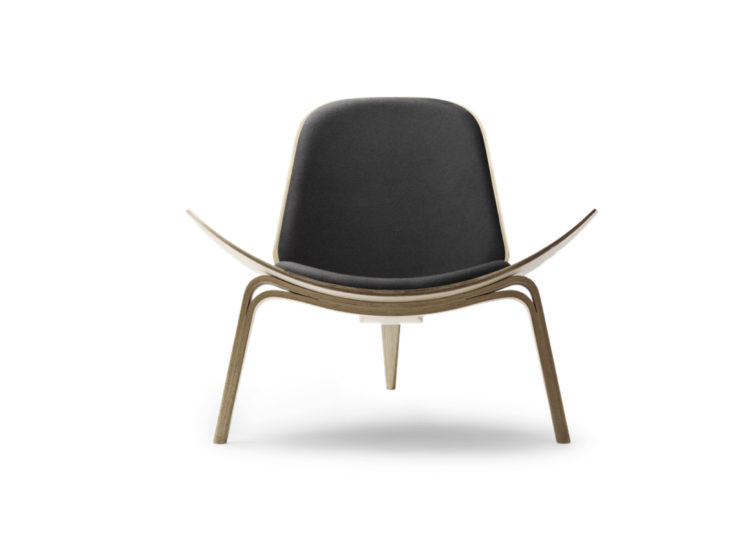 Carl Hansen & Søn CH07 Shell Easy Chair