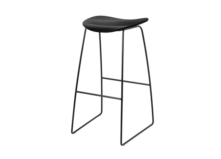 Gubi 2D Counter Stool – Sled Base
