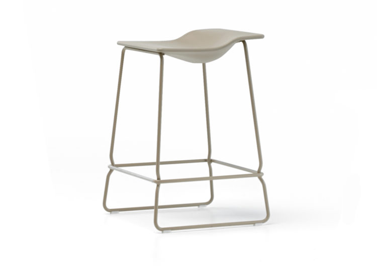 est living last minute stool 1 750x540