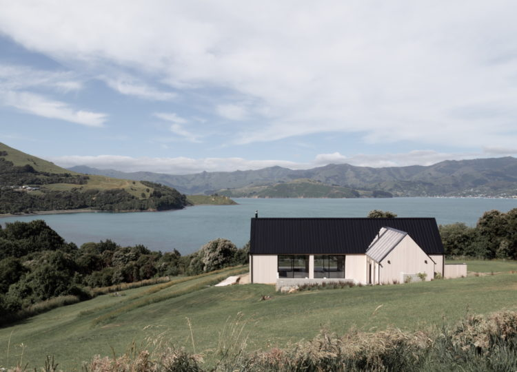 Banks Peninsula House by Lume Design
