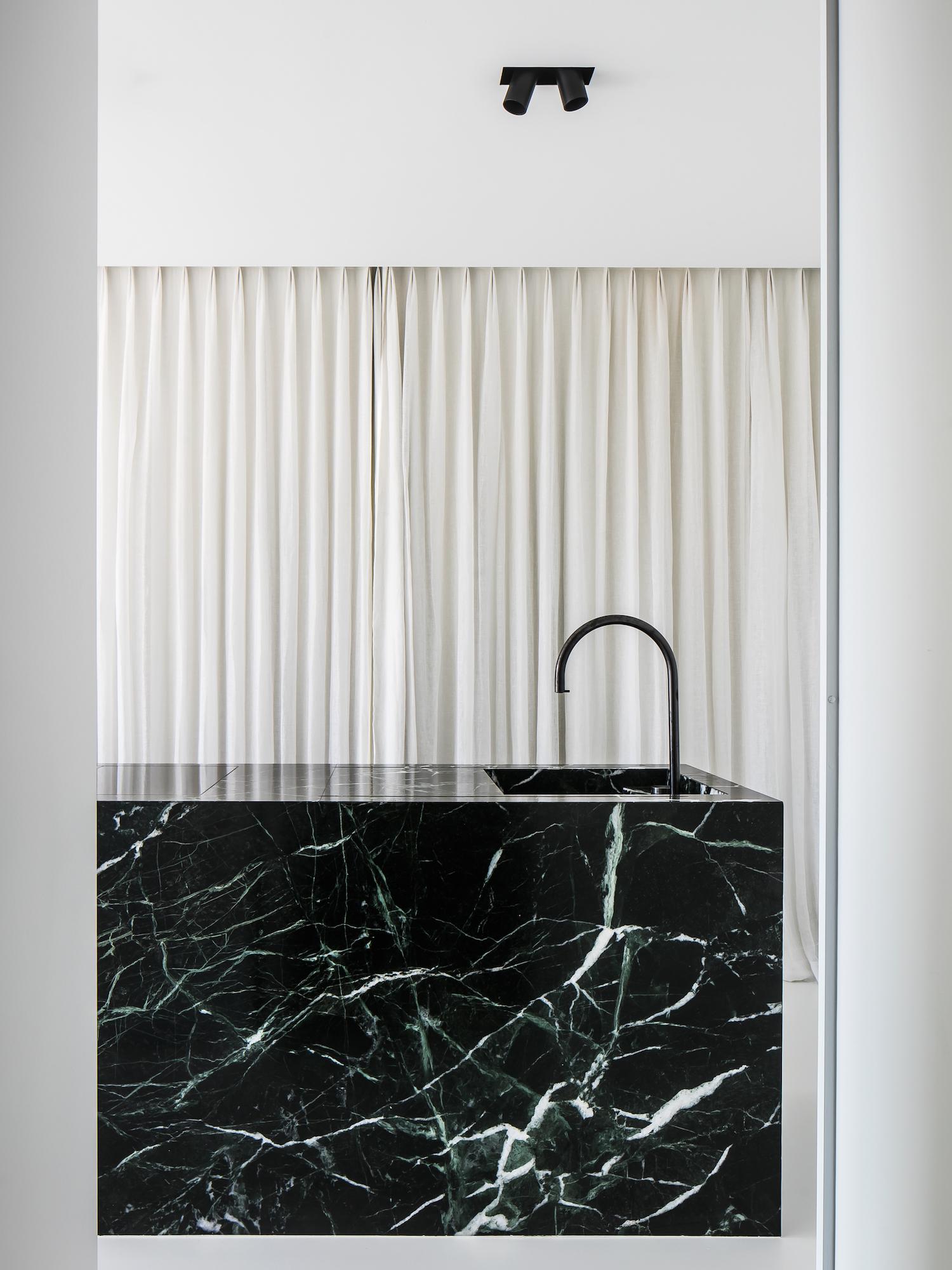 est living minimalist kitchen covet pieter vanrenterghem 1