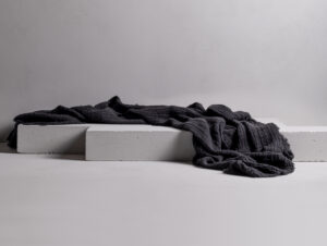 Sia / King Throw (Charcoal)