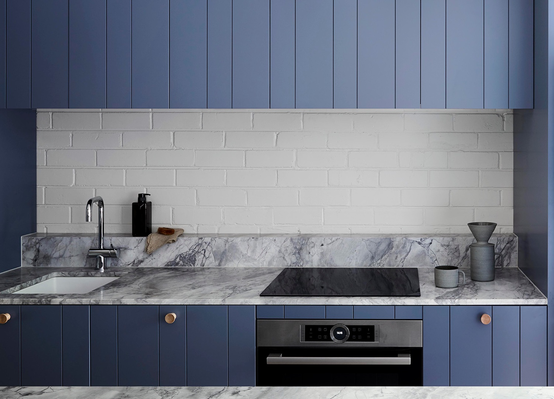 est living compact kitchens fitzroy north townhouse lisa breeze 2 1