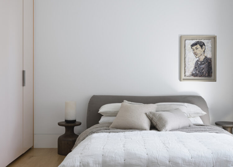 Bedroom | Darling Point Terrace Bedroom by Stafford Architecture