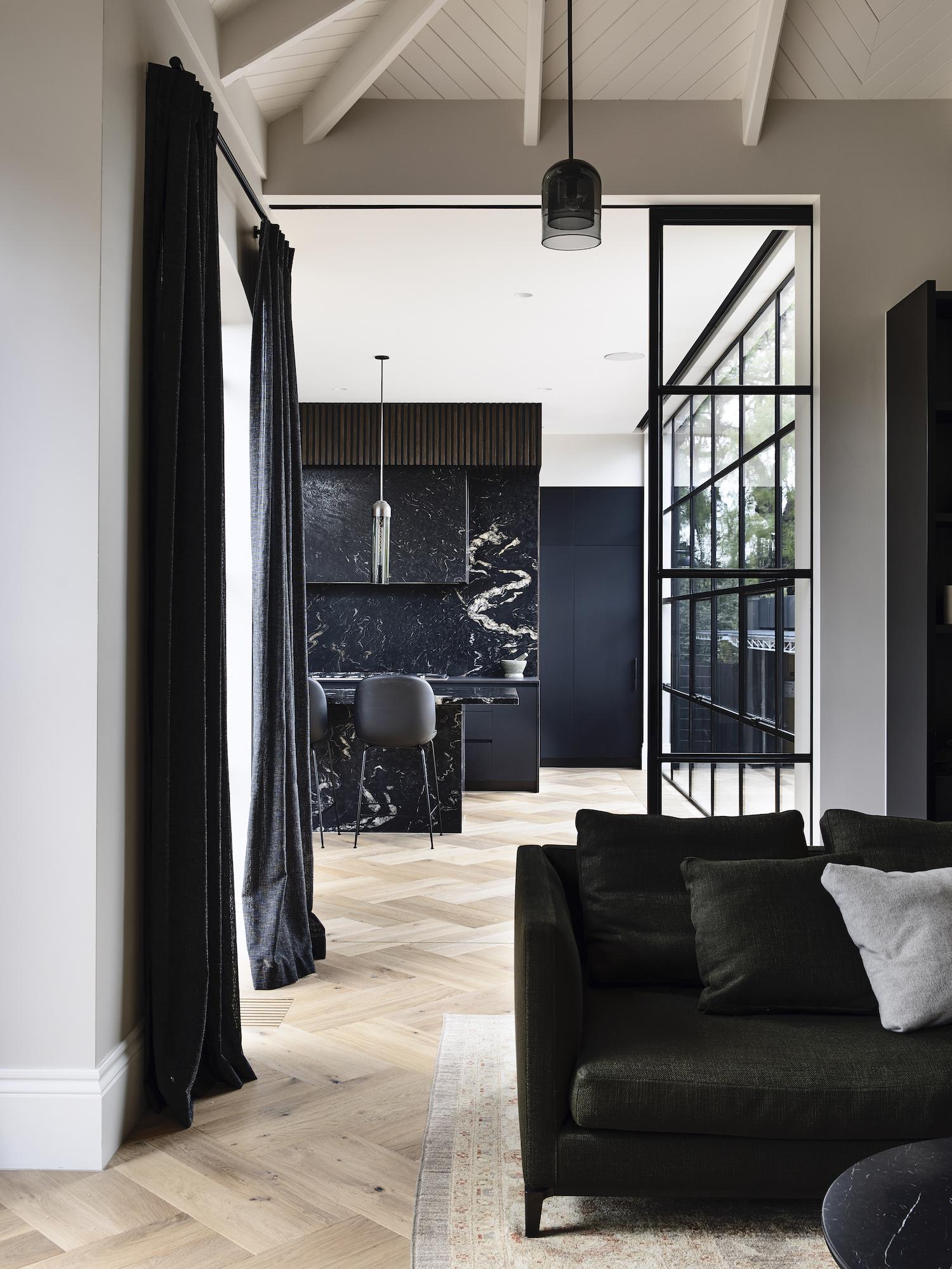 est living dutch gable house austin design associates 03