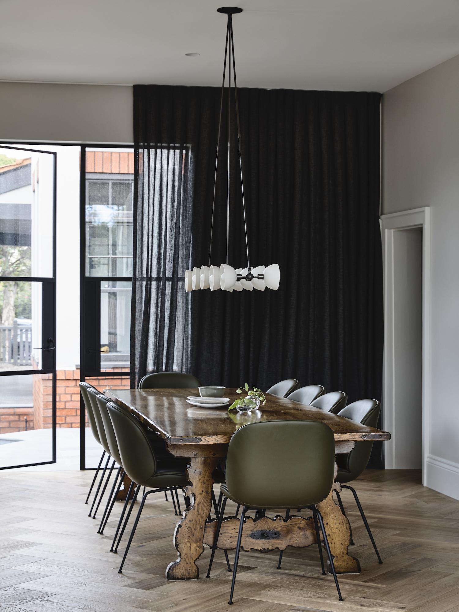 est living dutch gable house austin design associates 10