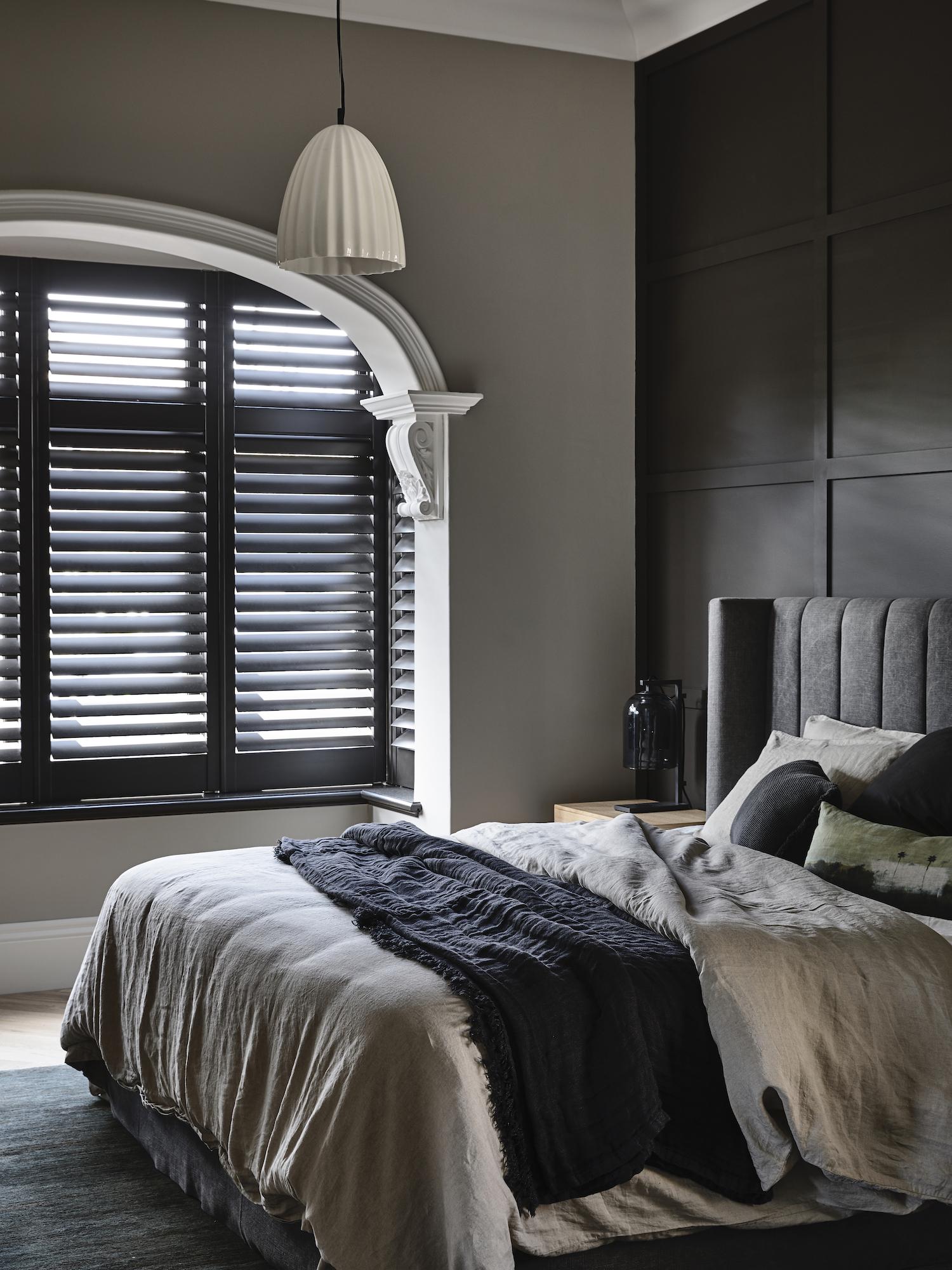 est living dutch gable house austin design associates 15