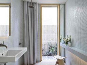 Bathroom 2 | Tree House Bathroom by Madeleine Blanchfield Architects