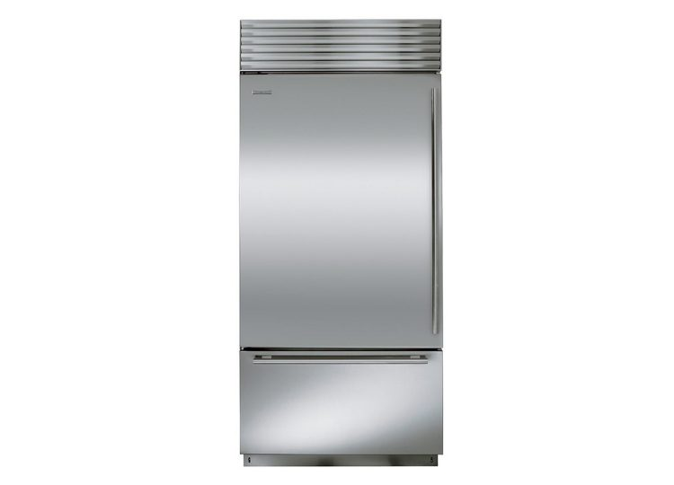 est living sub zero classic series over and under with internal dispenser 750x540