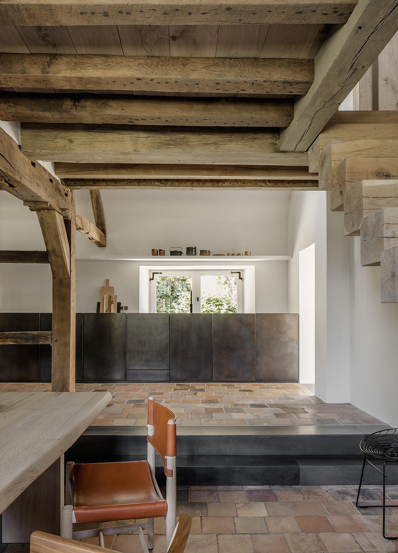 est living The Rough House Niels Maier 12