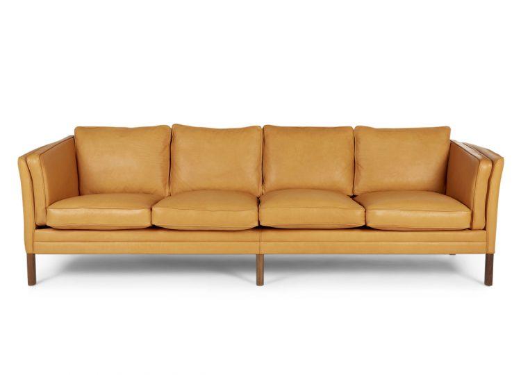 est living great dane klassik sofa 4 seat leather 750x540