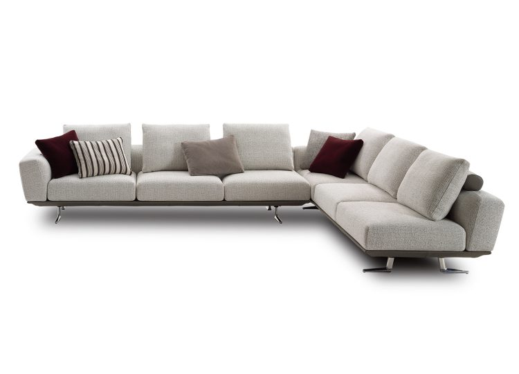 est living king Bellaire Sofa 01 750x540