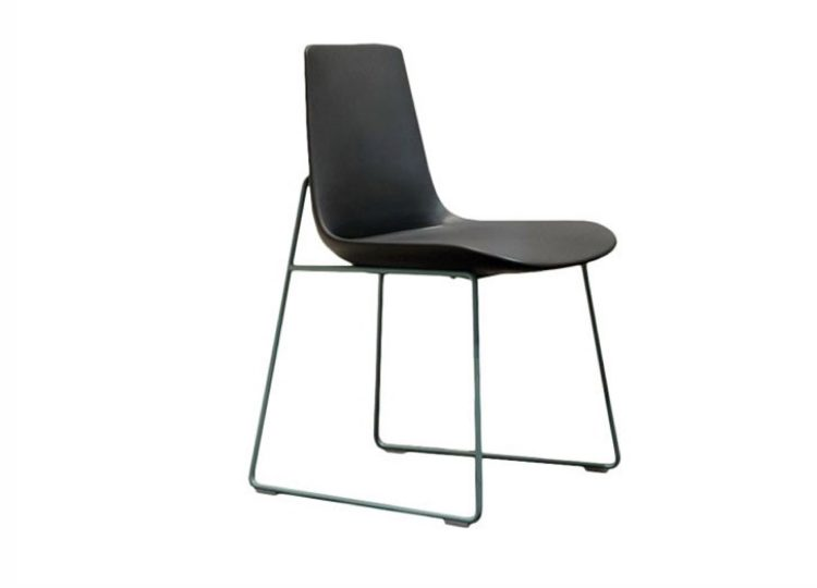 est living poliform ventura sled chair 01 750x540