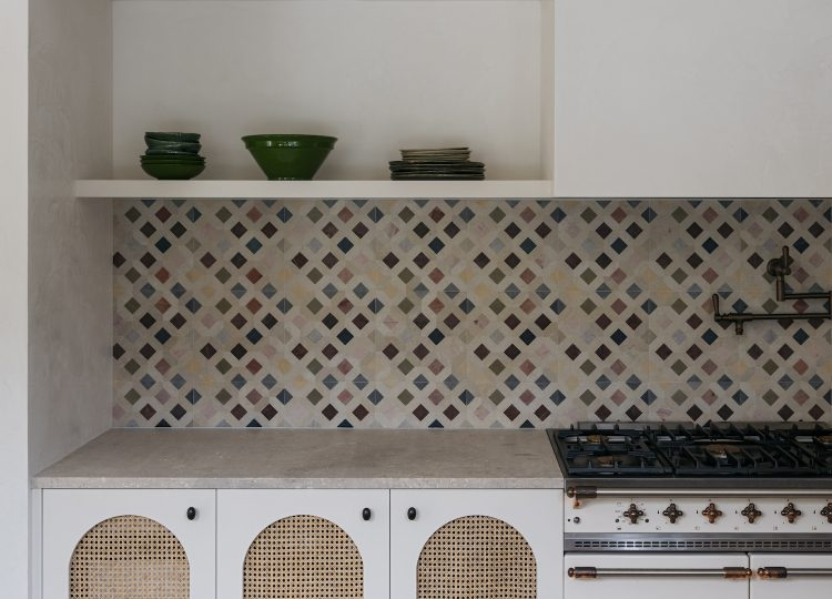 Kitchen | Watsons Bay Beachfront Home Kitchen by Handelsmann and Khaw