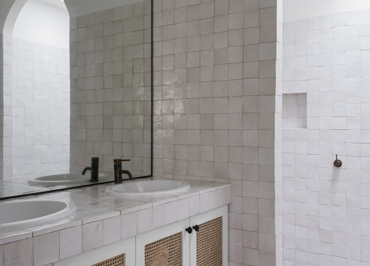 Bathroom 2 | Watsons Bay Beachfront Home Bathroom by Handelsmann and Khaw